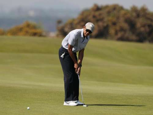 Barack Obama spielt Golf in Schottland