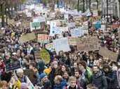 """Fridays for Future""-Protest in Lausanne. Foto: Jean-Christophe Bott/KEYSTONE"